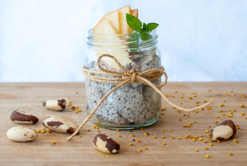 Chia- och psylliumpudding med carob