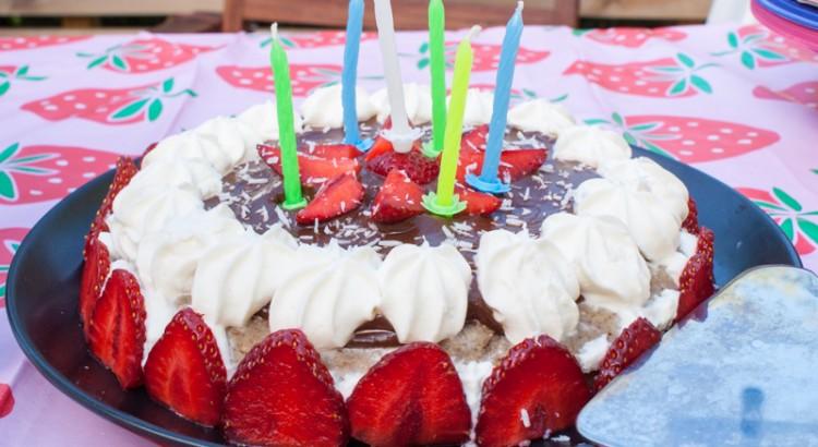 Sockerfri tårta för de allra minsta