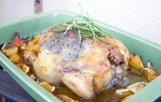 Helstekt kyckling med rosmarin och citrus